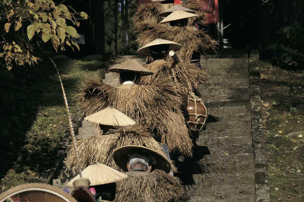 若栃収穫祭 むじな行列