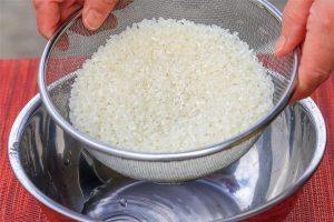 米の水切り